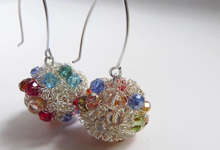 Aretes bola de fuego con cristales