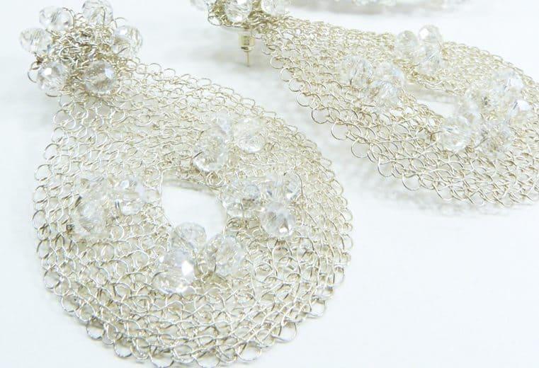 Aretes con alambre de plata y cristales
