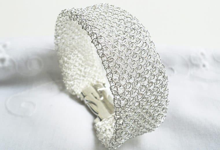 Brazalete de malla doble tejido con alambre de plata