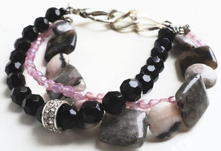 Pulsera cristales negros, rosa y rodonitas