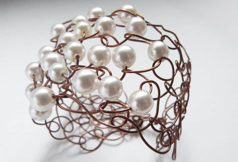 Pulsera incaica con anillado simple y perlas