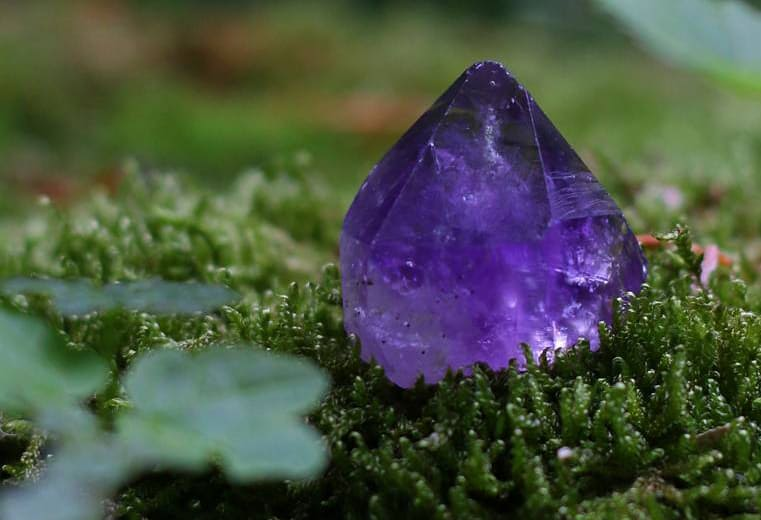 significado de los colores y sus piedras preciosas amatista 1