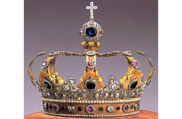 tiaras y coronas para las reinas 6