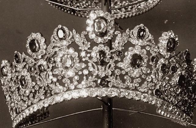tiaras y coronas para las reinas 7