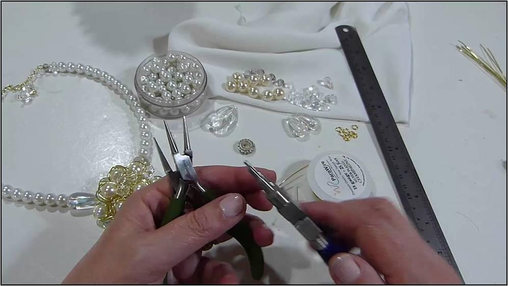 Collar princesa de perlas y cristales 1