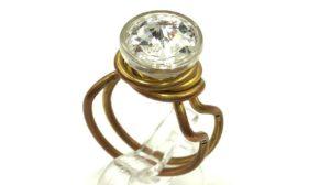 anillos de alambre con botones
